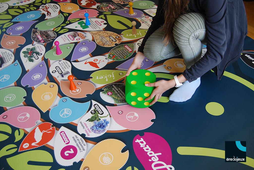 jeu géant sensibilisation à la biodiversité
